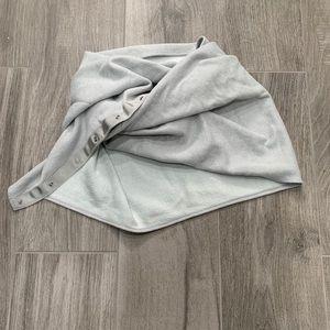 Lululemon vinyasa  gray reversible scarf O/S
